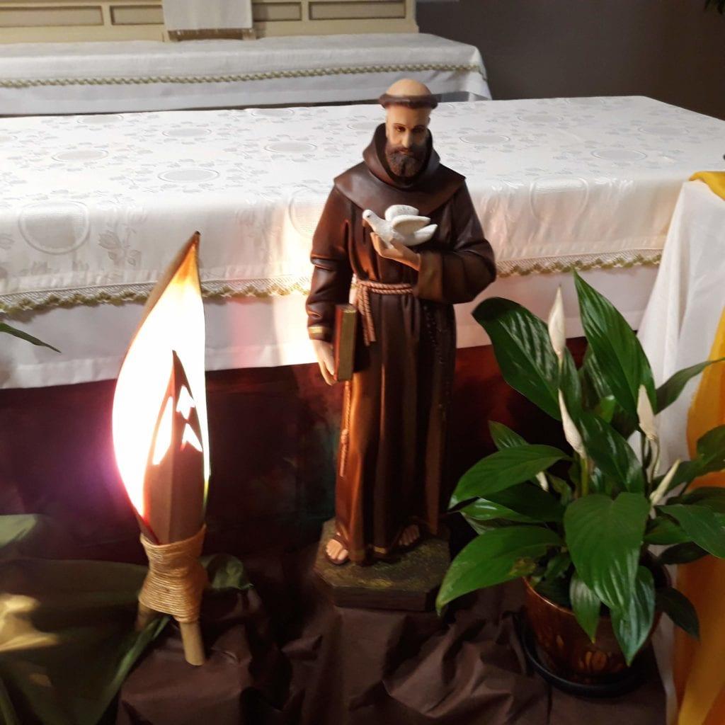 Com São Francisco de Assis, Paz e Bem